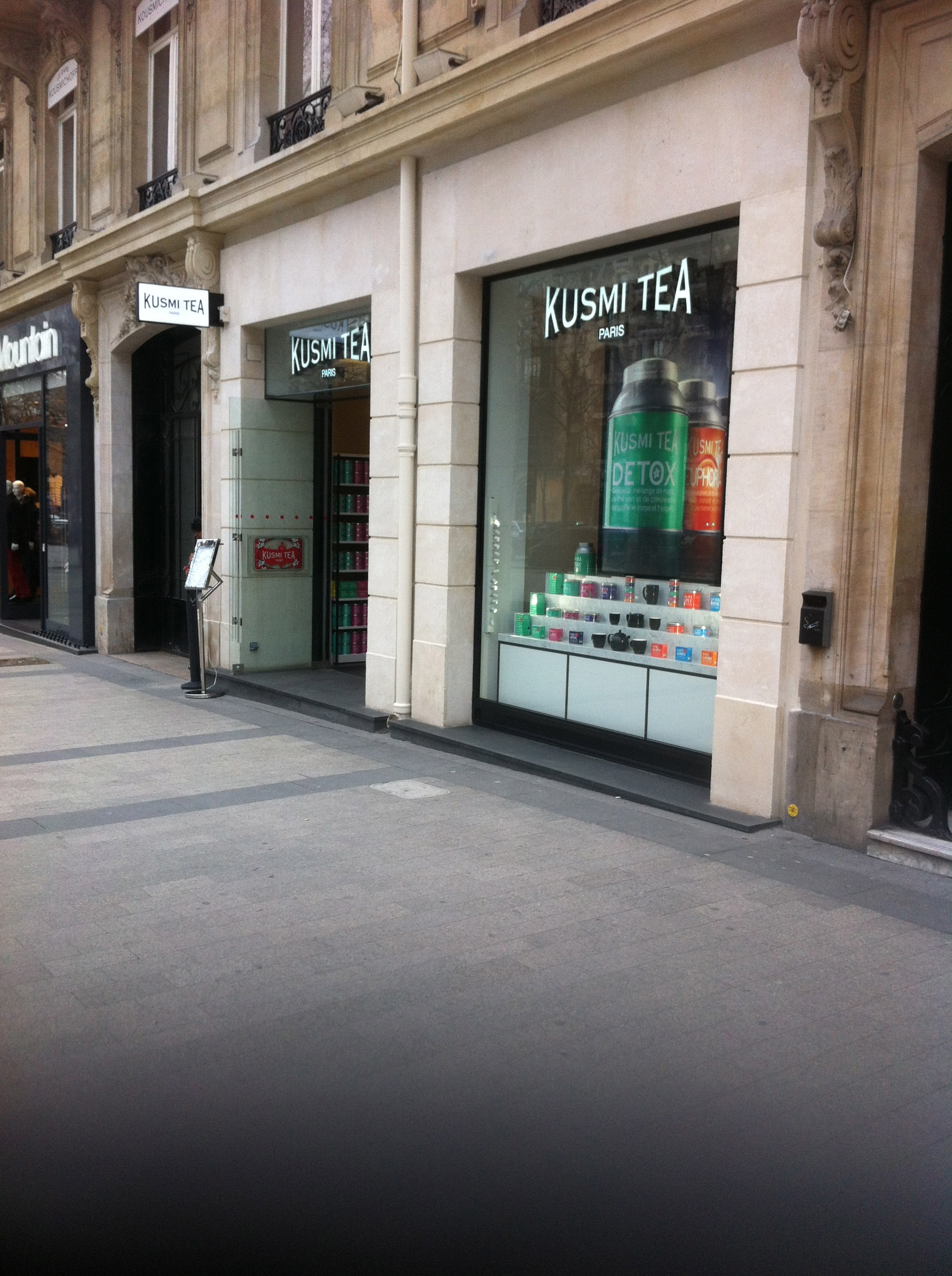 Flagship Store Kusmi sur les Champs Elysées - Charonbelli's blog de cuisine
