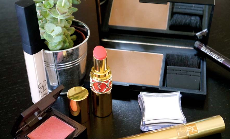 Mon make up du moment avec les pigments purs Illamasqua - Photo à la Une - Charonbelli's blog mode